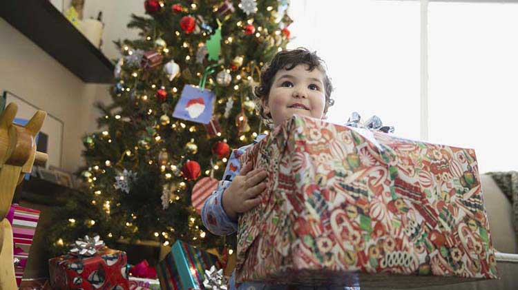 Get Ahead of the Season with These Holiday Savings Tips