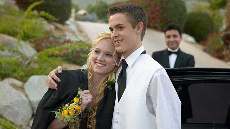 Tips for teen drivers during prom and graduation season