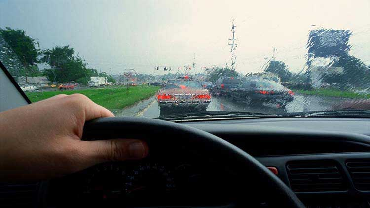 5 Tips to Remember for Driving Safely in the Rain