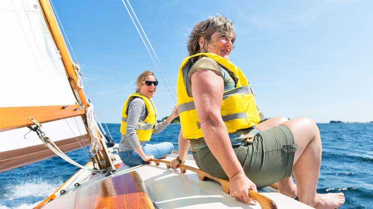 Boating Emergencies: 8 Safety Tips