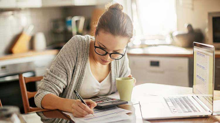 Woman preparing strategies for paying off student loans