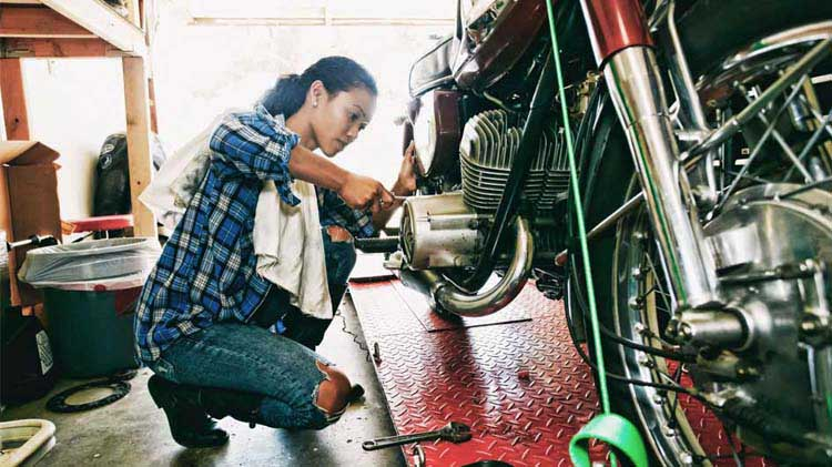 Motorcycle Maintenance: Spring Checklist