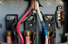 Prevén los incendios eléctricos en la vivienda