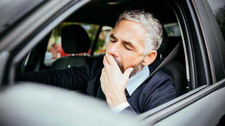Evita estos riesgos o te puedes quedar dormido detrás del volante
