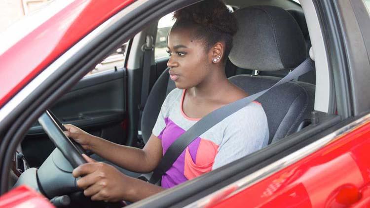 Lo que los conductores deberían hacer si les para la policía