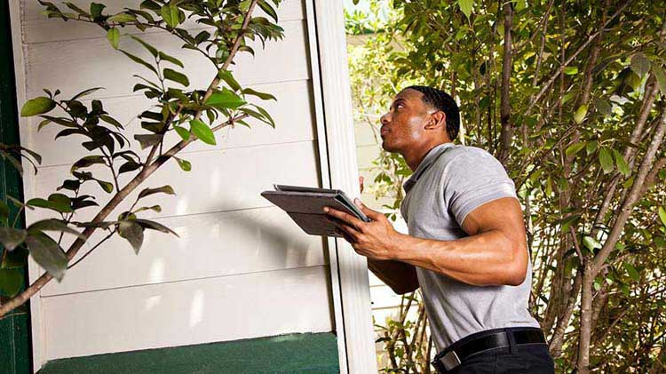 Qué es lo que revisa un inspector de vivienda y qué no está incluido