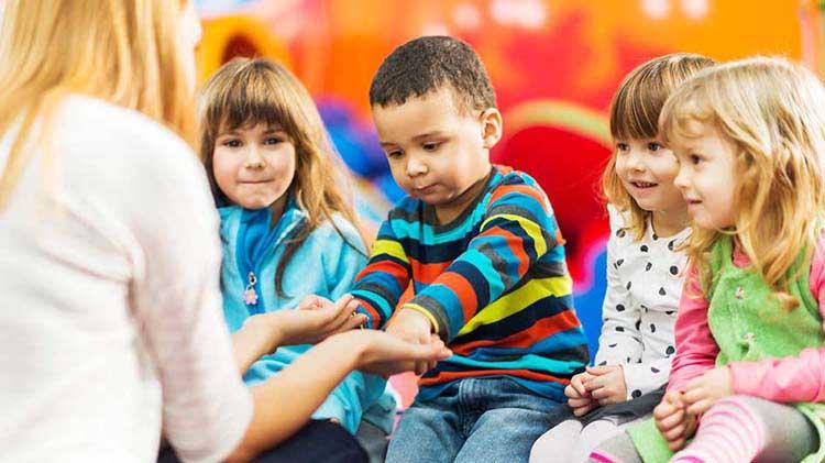 Invierte el dinero del cuidado infantil en el futuro de tus hijos