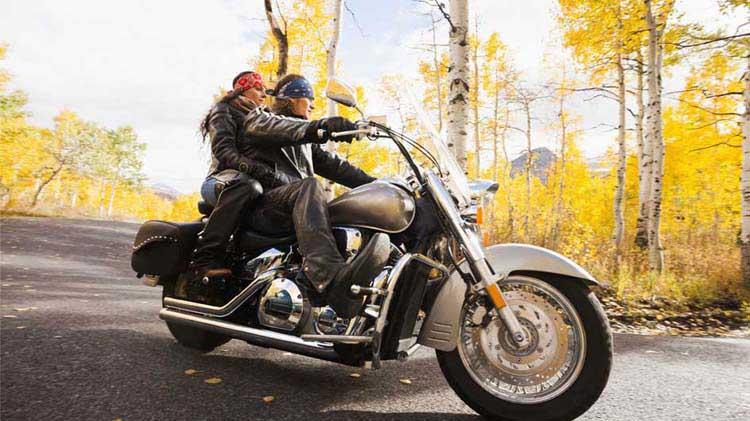 Consejos de seguridad en la motocicleta: Viajando dos personas