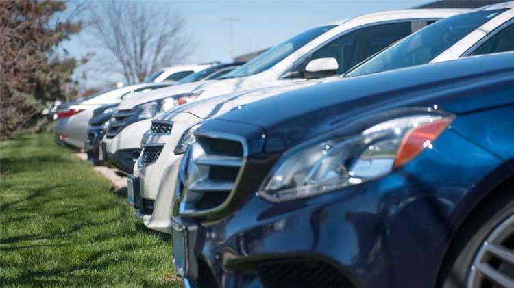 ¿Vas a comprar un carro, SUV o una camioneta?