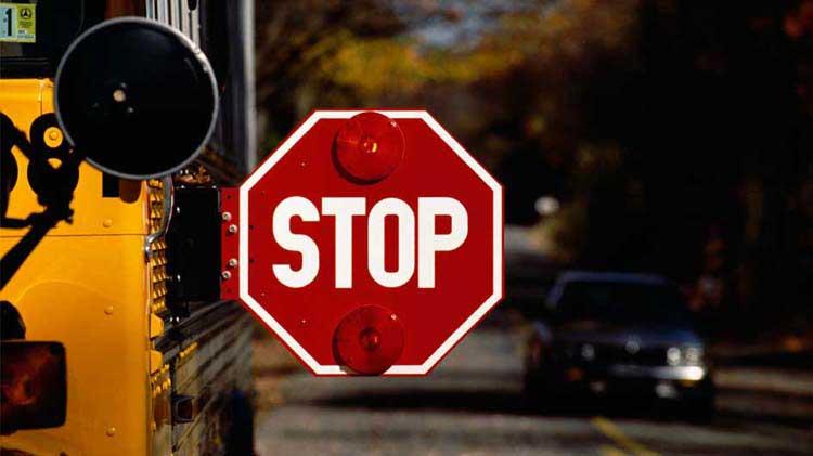 Consejos para la seguridad en el autobús escolar para pasajeros y conductores