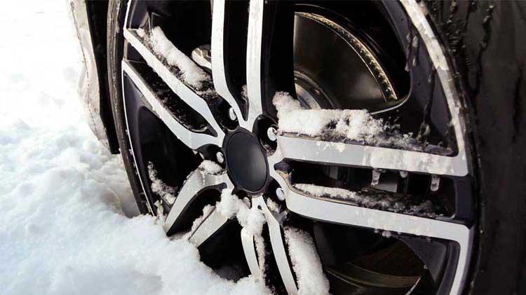 ¿Cuáles son las mejores llantas para manejar en invierno?