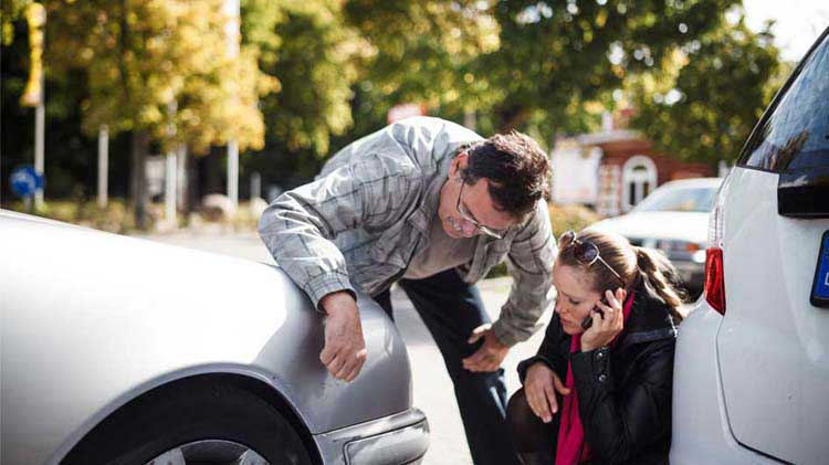 Consejos para saber qué hacer después de un accidente de carro