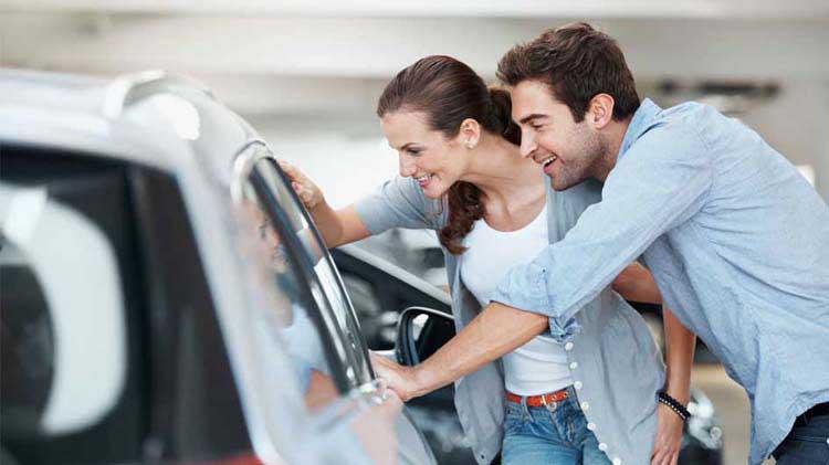 Cómo comprar un carro nuevo de un concesionario
