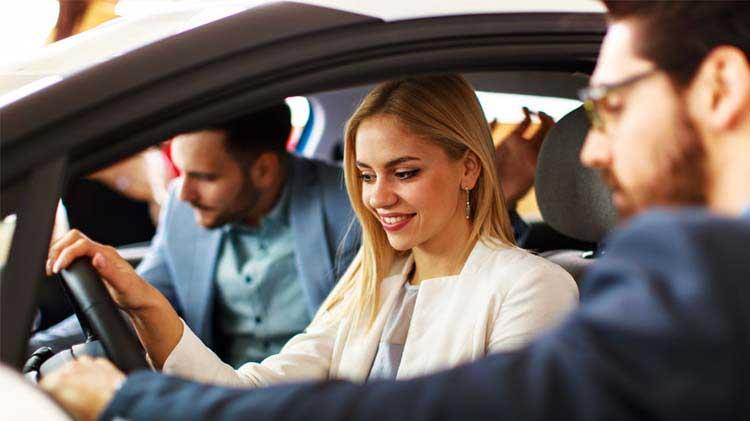 8 consejos para comprar y dar mantenimiento a tu carro