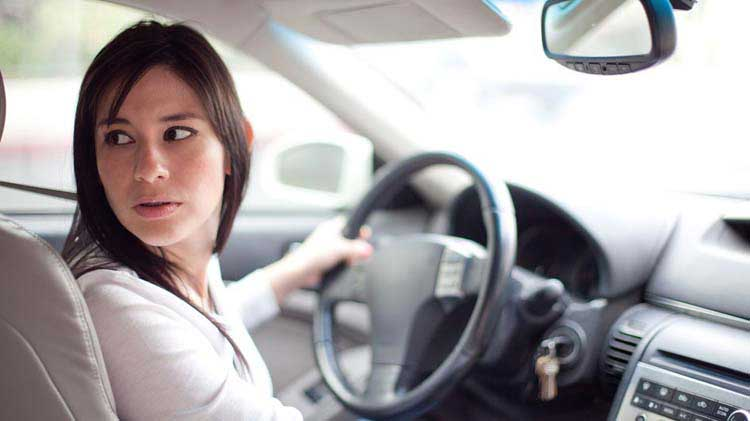 Cómo usar de manera segura las prestaciones de asistencia al conductor