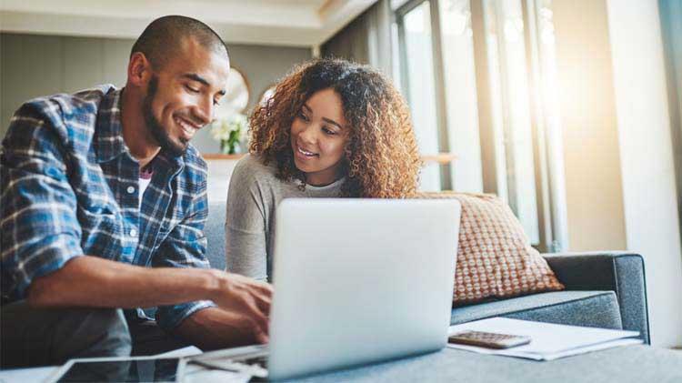 Minimiza el estrés financiero en tu relación