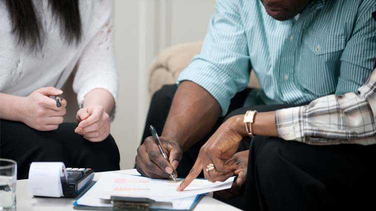 Firmando un contrato de alquiler: Lo que necesitas saber