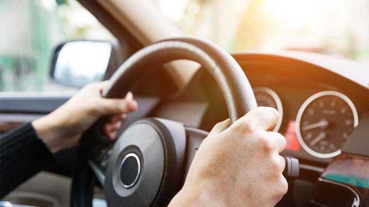 El futuro para los conductores y los carros de manejo autónomo